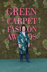 Vogue green carpet award MFW qSuzie Menkes